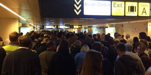 Grève du zèle suspendue partiellement à Brussels Airport, après des émeutes (VIDEO) - La DH