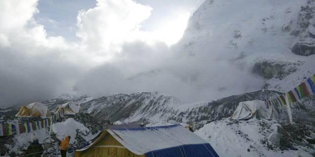 La vidéo impressionnante de l'avalanche sur les pentes de l'Everest - La DH
