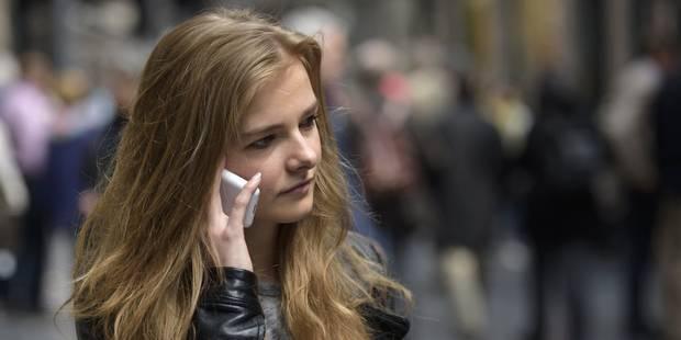 18.300 Belges vont perdre leur tarif social spécial GSM - La DH