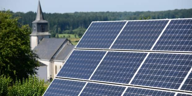 La taxe sur les panneaux photovoltaïques recalée - La DH