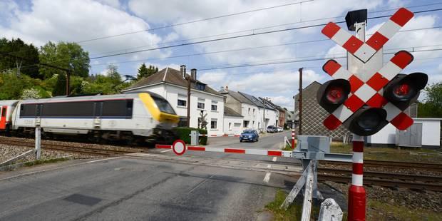 Bloqué sur les rails après avoir mal suivi son GPS, il est percuté par un train - La DH