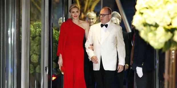 La princesse Charlène, rouge sublime au 67e Gala de la Croix-Rouge - La DH