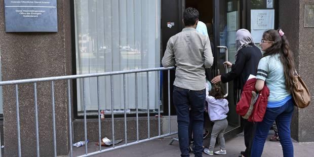 L'Office des étrangers refuse une cinquantaine de demandeurs d'asile - La DH