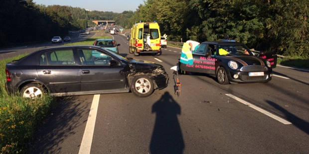 Gilly: quatre voitures accidentées et un blessé - La DH