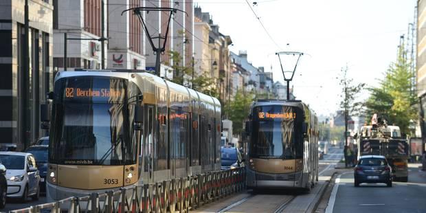 Les jours de la piétonne heurtée par un tram à Bruxelles ne sont pas en danger - La DH
