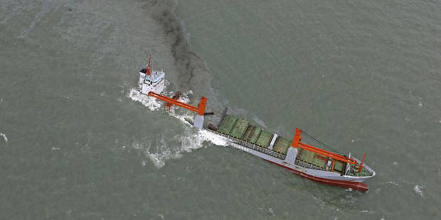 Collision navale au large de Zeebrugge: le navire coulé abandonné - La DH