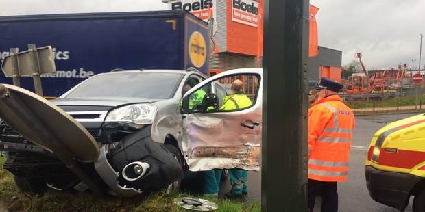 Deux accidents sur la N568 à Fleurus et Farciennes - La DH
