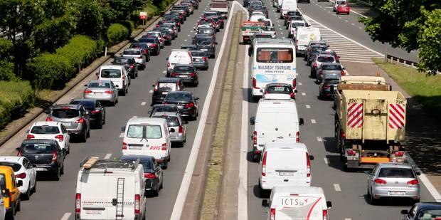 Chaos sur le ring extérieur de Bruxelles, 2 heures d'attente sur l'E40 - La DH