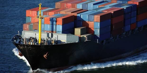 Une douzaine de conteneurs à la dérive en mer du Nord, plusieurs dans les eaux belges - La DH