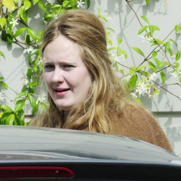 Juillet 2011. Oui, parfois Adele ne se maquille pas...