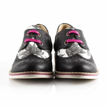 Chaussures vegan Bourgeois Bohème, fabriquées au Portugal. Sur la boutique en ligne dédiée à la mode durable Made and More. http://www.madeandmore.com/