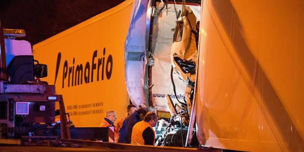 Dramatique accident sur l'autoroute en direction de la France: un chauffeur a perdu la vie (PHOTOS) - La DH