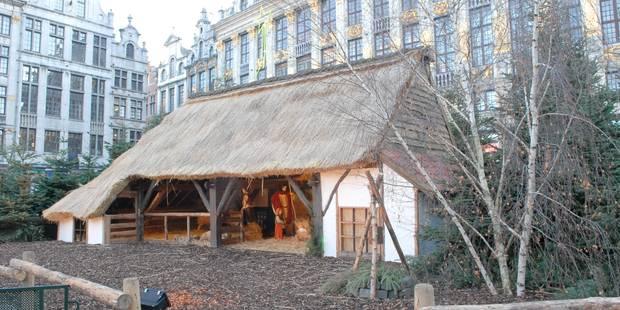 Bruxelles: la crèche de la Grand-Place vandalisée - La DH