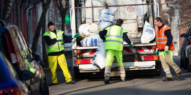 Déchets: La Région bruxelloise maintiendra deux collectes de sacs blancs par semaine - La DH