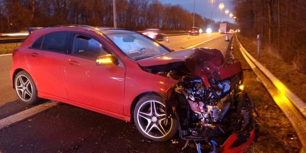 Buzet: il percute une voiture sur la bande d'arrêt d'urgence - La DH