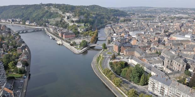 Polémique: Une terrasse flottante sur la Meuse - La DH