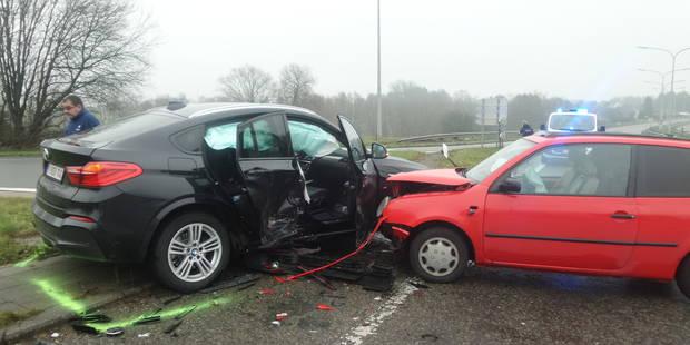 Un blessé léger après une collision Forchies-la-Marche - La DH