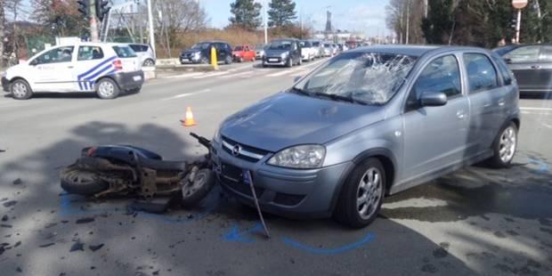 Châtelet: deux motocyclistes blessés dans un accident - La DH