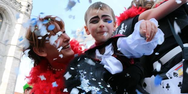 Les carnavaleux occupent les rues de Tournai (VIDEO) - La DH