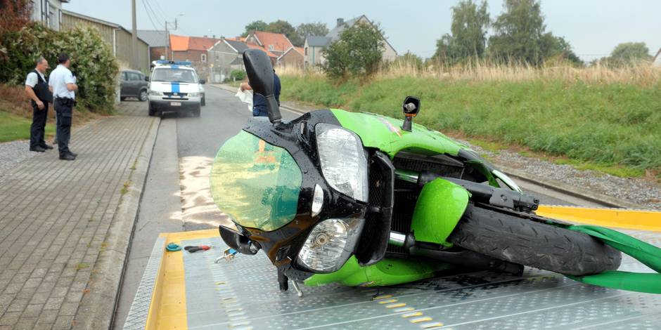 10 accidents de moto par jour en belgique la dh - Accident de voiture coup du lapin ...