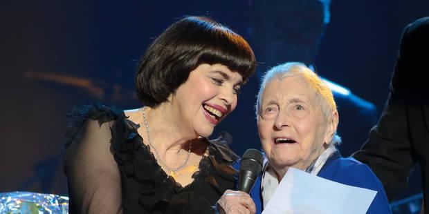 La chanteuse Mireille Mathieu perd sa première fan - La DH