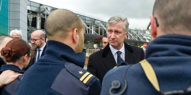 Attentats de Bruxelles: moment de recueillement pour le Roi et la Reine à la station de métro Maelbeek - La DH