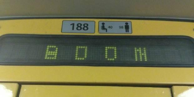 """Le """"BOOM"""" affiché dans le métro est un bug informatique, selon la Stib - La DH"""