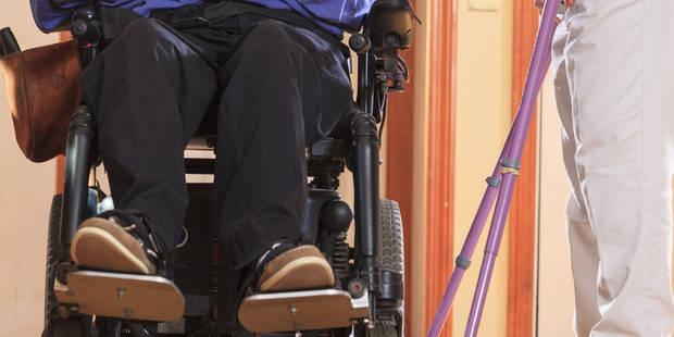 Un tétraplégique parvient à utiliser sa main grâce à un logiciel - La DH
