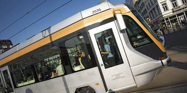 Collision entre un tram et une voiture à Molenbeek: deux blessés - La DH