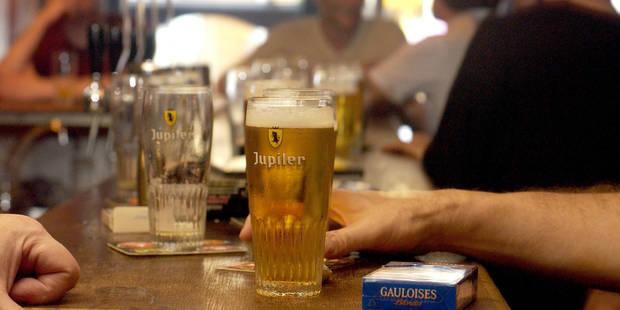Euro 2016: un barman néerlandais déplace les frontières pour que son café devienne belge - La DH