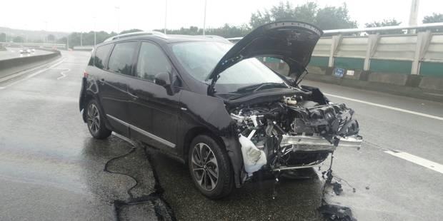 Gosselies: un couple et deux enfants blessés sur l'autoroute A54 (PHOTOS) - La DH