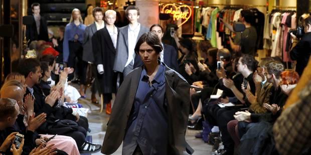 La haute couture fait le buzz avec un défilé... de prêt-à-porter - La DH