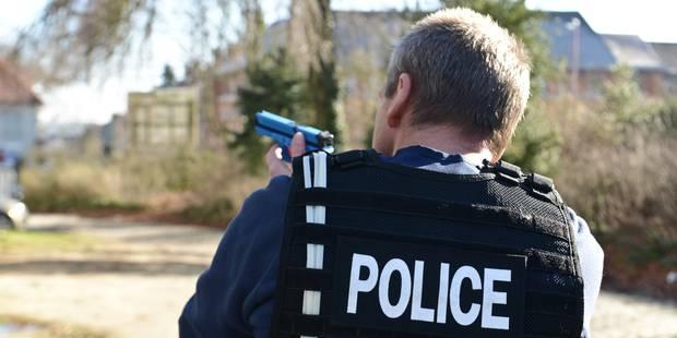 Course-poursuite entre policiers néerlandais et 4 Belges - La DH