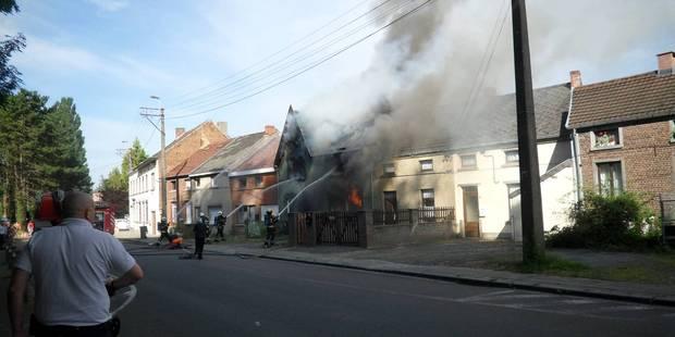 Écaussinnes: une maison ravagée par un incendie - La DH