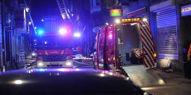 Une dame blessée dans un incendie à Rochefort - La DH