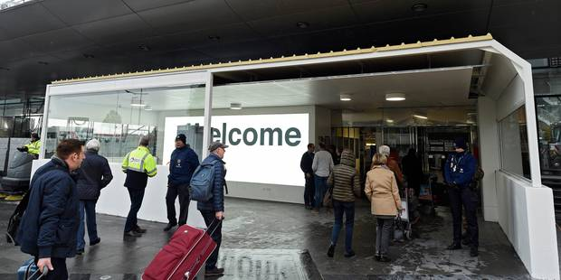 Brussels Airport: terminé les tentes de contrôle, les passagers entrent désormais par des sas (PHOTOS) - La DH