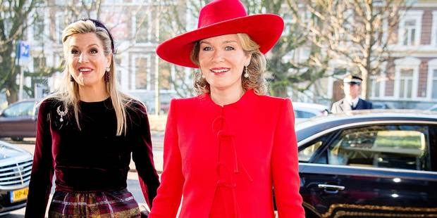 La reine Mathilde flamboyante en rouge - La DH