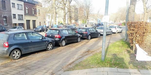Stationnement sauvage à Mons : la police ne lâche rien - La DH