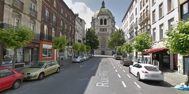 Un homme armé d'une hache à la réception d'un hôtel de Schaerbeek: 3 policiers blessés - La DH