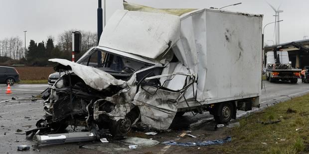 Un mort et un blessé grave dans un accident à Spy - La DH
