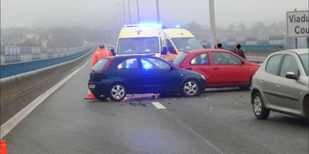 Charleroi: carambolage sur le R3 à cause du verglas, un adulte et deux enfants blessés - La DH