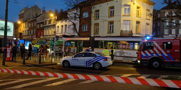 Un homme âgé perd la vie dans un accident avec un tram à Uccle - La DH