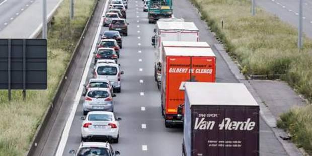 Beauraing: un accident ralentit la circulation sur la A4 - La DH