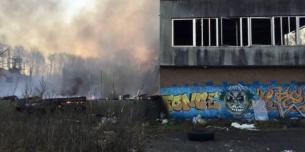 Wavre: l'ancienne vinaigrerie ravagée par un incendie peut-être d'origine criminelle! - La DH