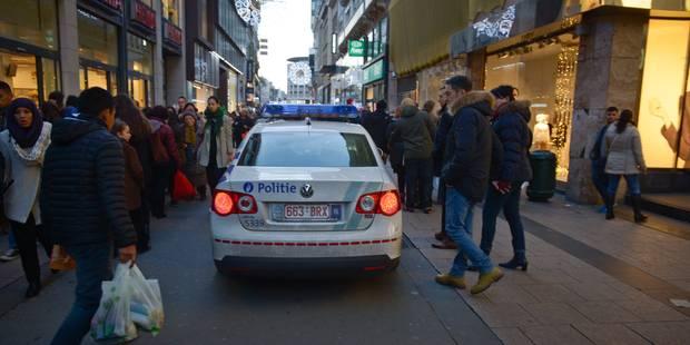 Mouvement de foule Rue Neuve après l'interpellation d'un voleur, situation normalisée (PHOTOS + VIDEOS) - La DH
