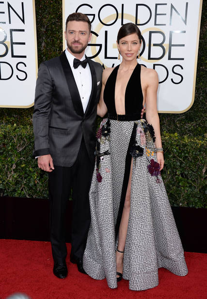 LES TOPS : Jessica Biel, en Elie Saab et Justin Timberlake