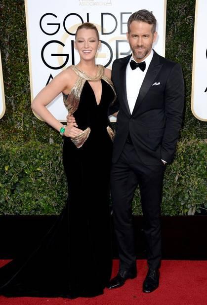 Les tops : Blake Lively, en Atelier Versace, et Ryan Reynolds