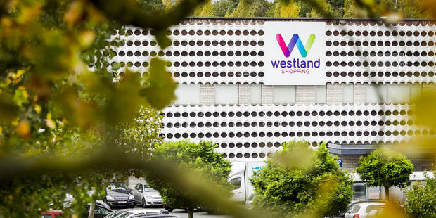 Le Westland d'Anderlecht fermé après la chute d'un faux plafond - La DH
