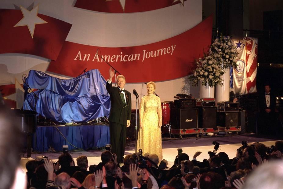 Le 20 janvier 1997, Hillary Clinton avait osé la robe jaune.