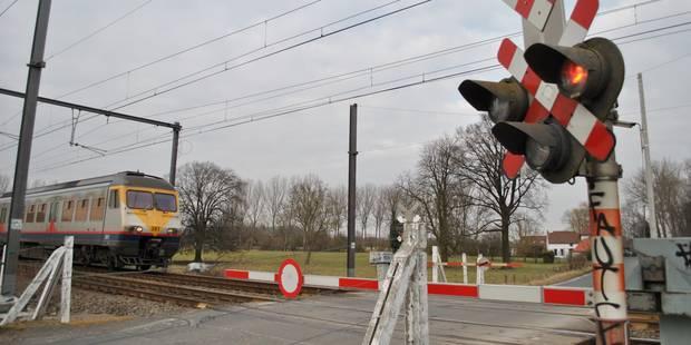 Une femme happée par un train perd la vie près de la gare de Genval - La DH
